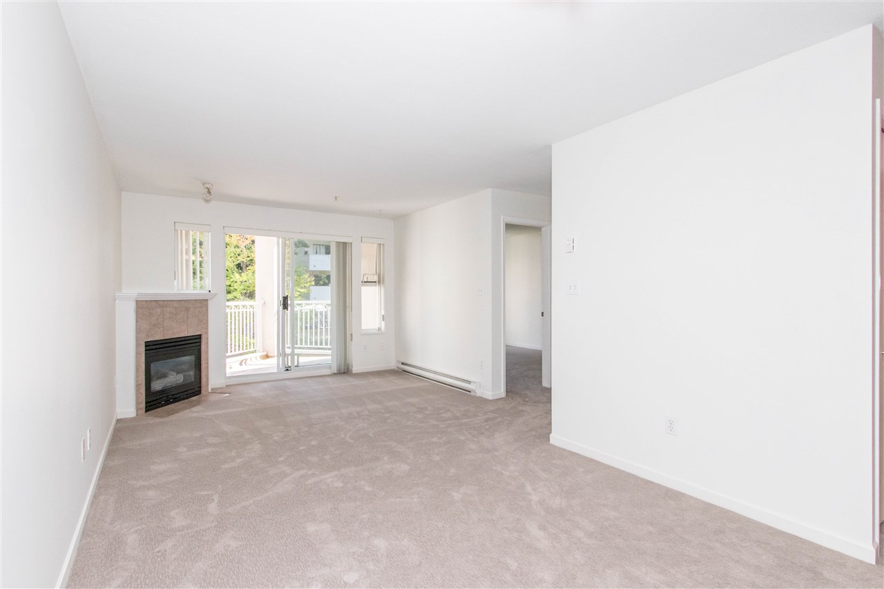 Condo Apartment at 402 1128 SIXTH AVENUE, Unit 402, New Westminster, British Columbia. Image 8