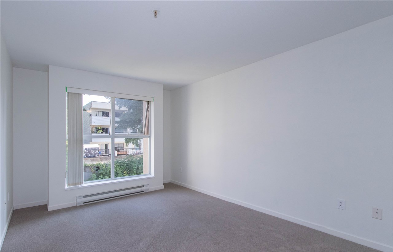 Condo Apartment at 402 1128 SIXTH AVENUE, Unit 402, New Westminster, British Columbia. Image 10