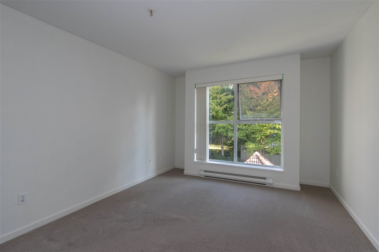 Condo Apartment at 402 1128 SIXTH AVENUE, Unit 402, New Westminster, British Columbia. Image 11