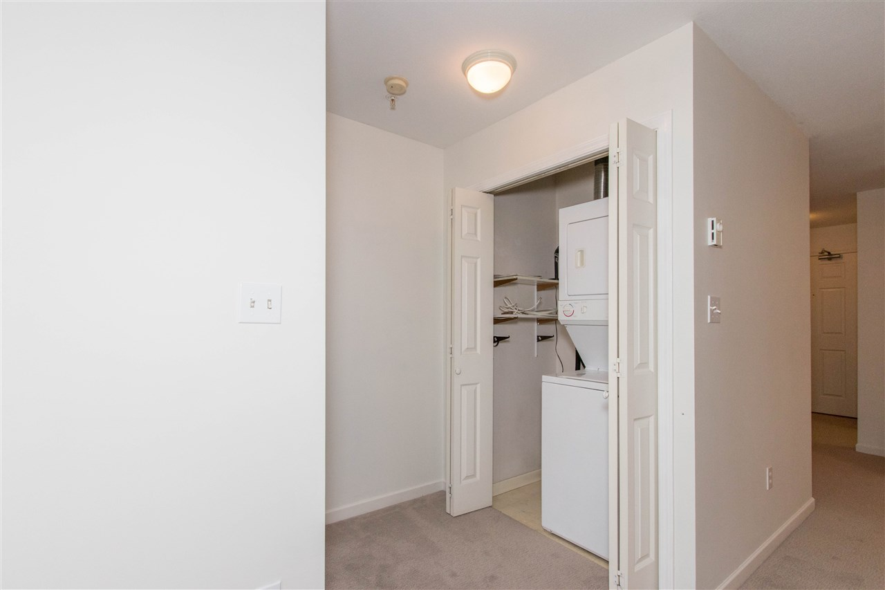 Condo Apartment at 402 1128 SIXTH AVENUE, Unit 402, New Westminster, British Columbia. Image 17