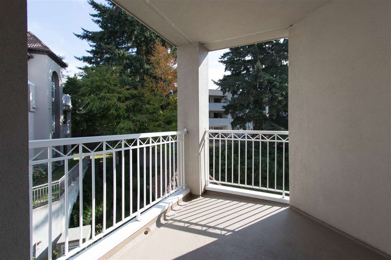 Condo Apartment at 402 1128 SIXTH AVENUE, Unit 402, New Westminster, British Columbia. Image 18