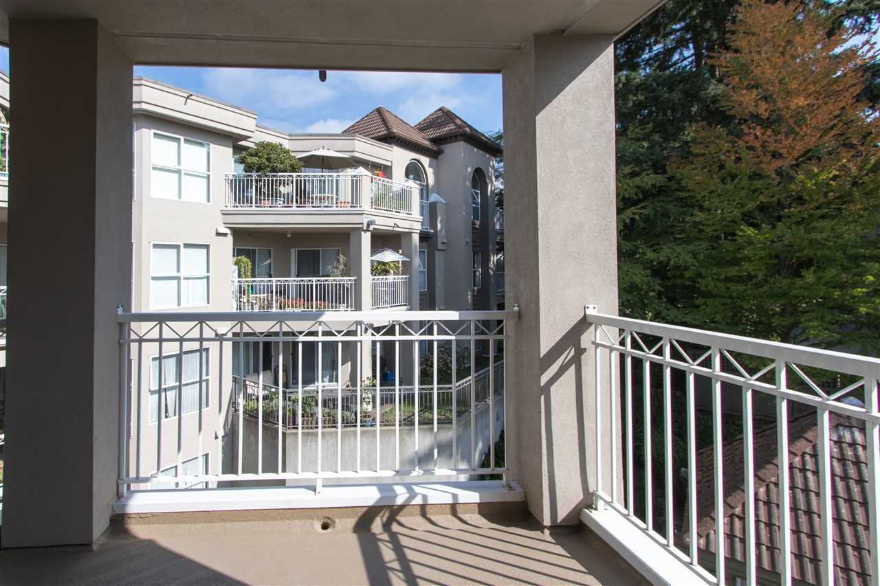 Condo Apartment at 402 1128 SIXTH AVENUE, Unit 402, New Westminster, British Columbia. Image 19