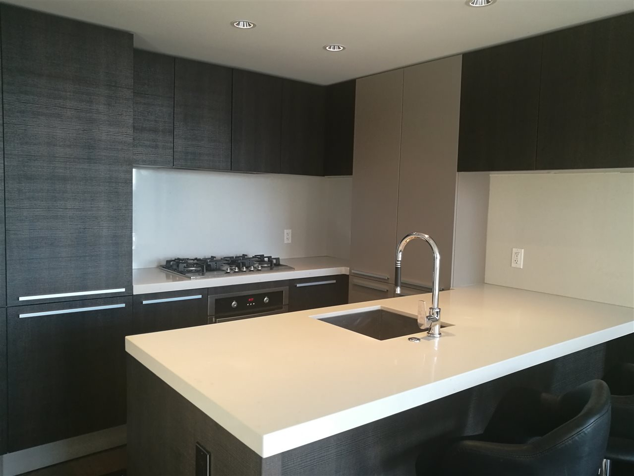 Condo Apartment at 2501 1351 CONTINENTAL STREET, Unit 2501, Vancouver West, British Columbia. Image 4