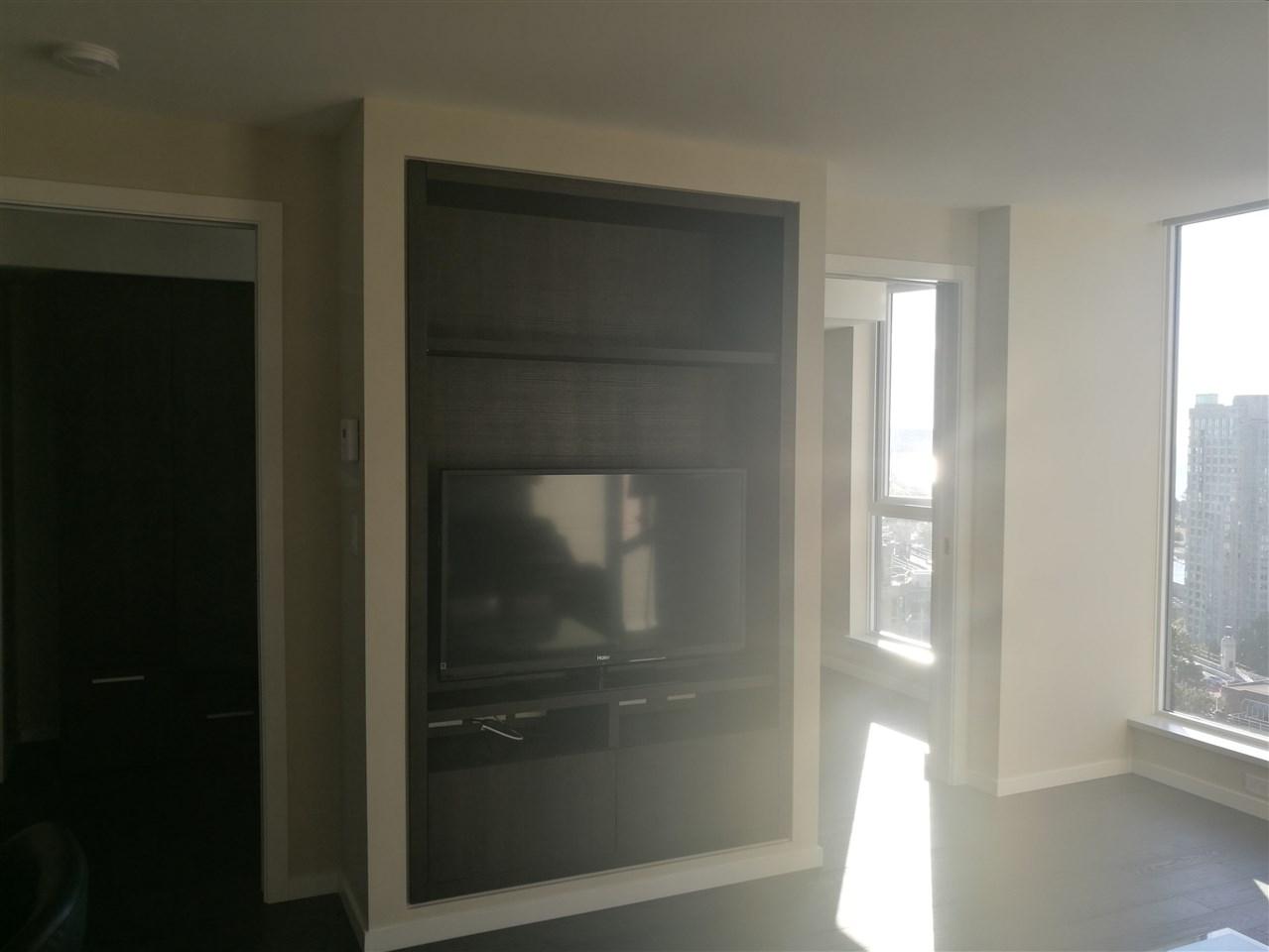 Condo Apartment at 2501 1351 CONTINENTAL STREET, Unit 2501, Vancouver West, British Columbia. Image 8