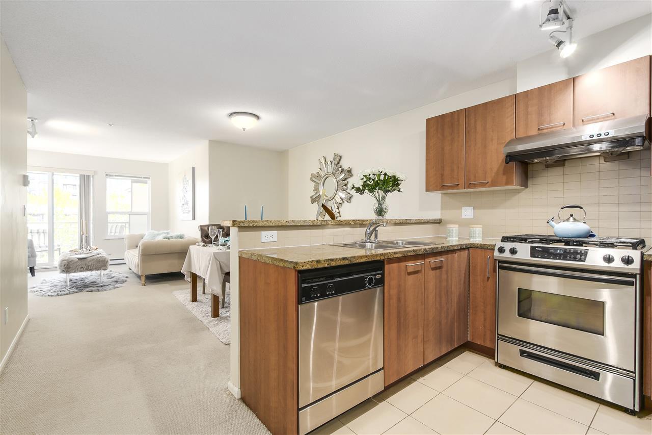 Condo Apartment at 415 9200 FERNDALE ROAD, Unit 415, Richmond, British Columbia. Image 5