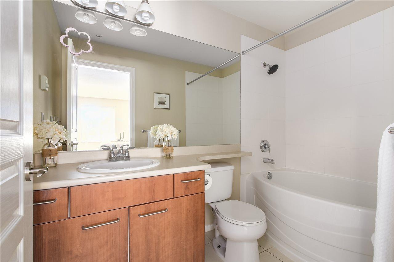 Condo Apartment at 415 9200 FERNDALE ROAD, Unit 415, Richmond, British Columbia. Image 9
