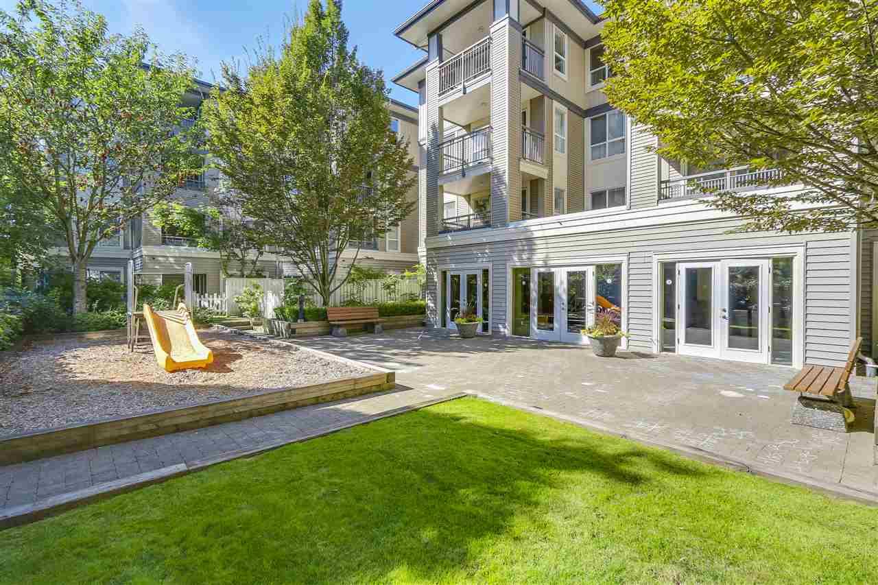 Condo Apartment at 415 9200 FERNDALE ROAD, Unit 415, Richmond, British Columbia. Image 17