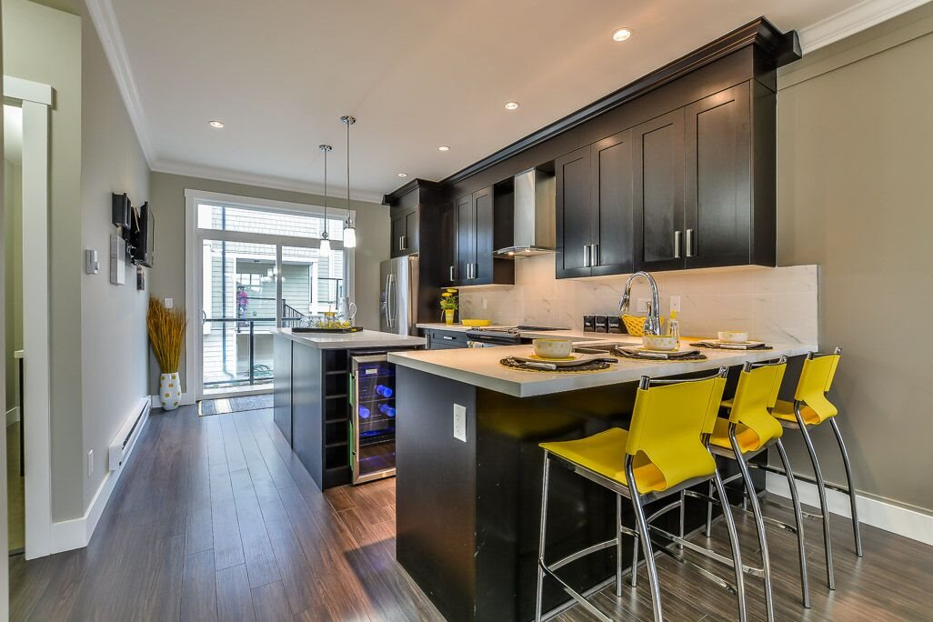 Townhouse at 101 13898 64 AVENUE, Unit 101, Surrey, British Columbia. Image 3