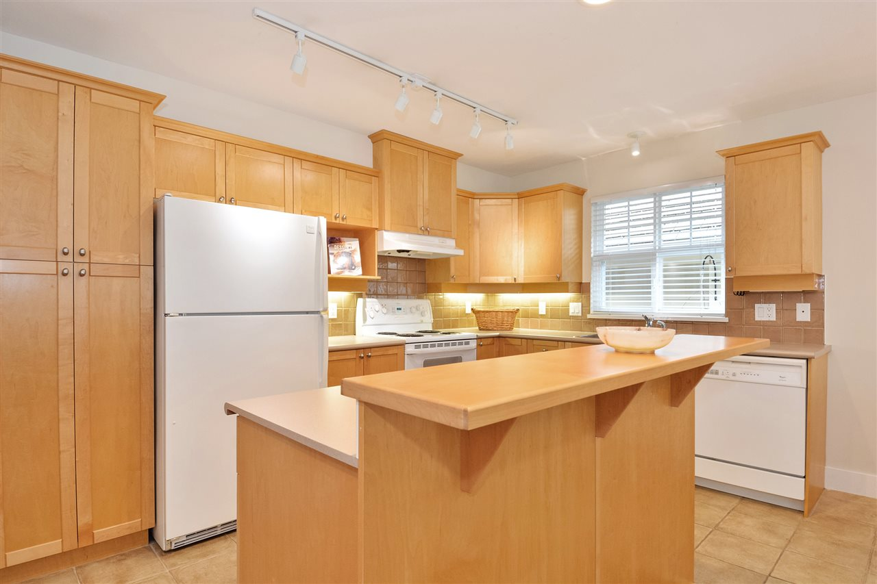 Townhouse at 99 15500 ROSEMARY HEIGHTS CRESCENT, Unit 99, South Surrey White Rock, British Columbia. Image 7
