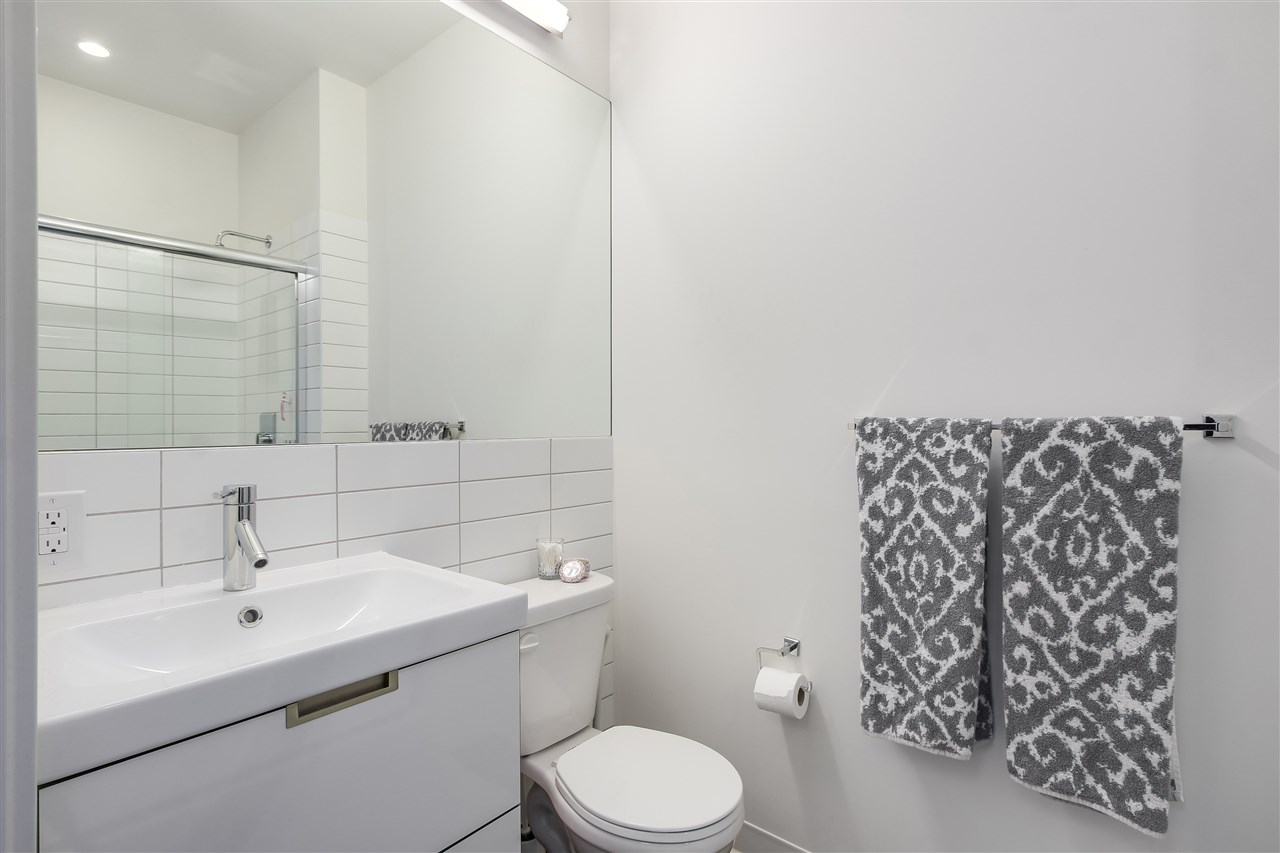 Condo Apartment at 605 138 E HASTINGS STREET, Unit 605, Vancouver East, British Columbia. Image 6