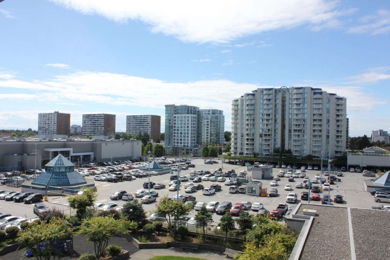 Condo Apartment at 907 7888 SABA ROAD, Unit 907, Richmond, British Columbia. Image 7