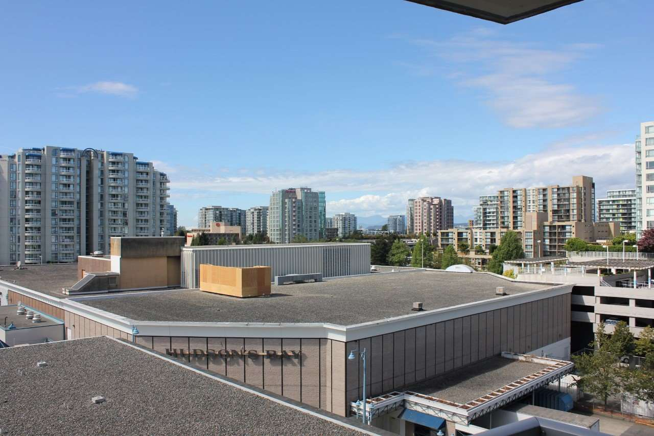 Condo Apartment at 907 7888 SABA ROAD, Unit 907, Richmond, British Columbia. Image 8
