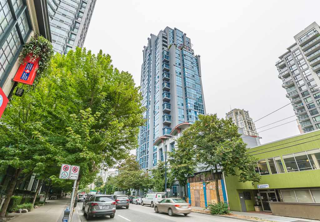 Condo Apartment at 1401 1238 SEYMOUR STREET, Unit 1401, Vancouver West, British Columbia. Image 1