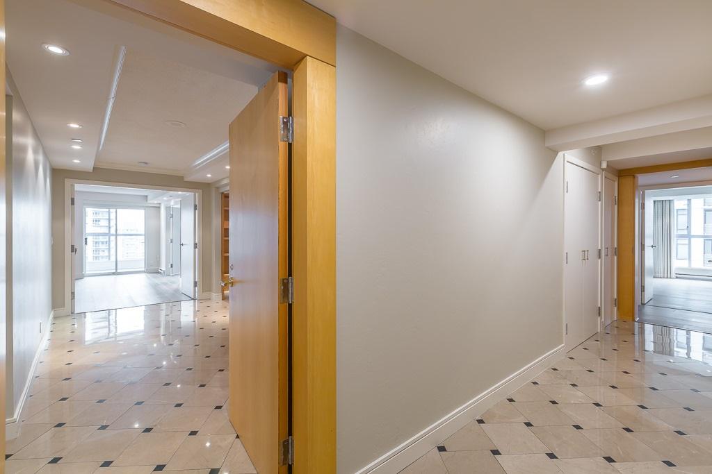 Condo Apartment at 1401 1238 SEYMOUR STREET, Unit 1401, Vancouver West, British Columbia. Image 3
