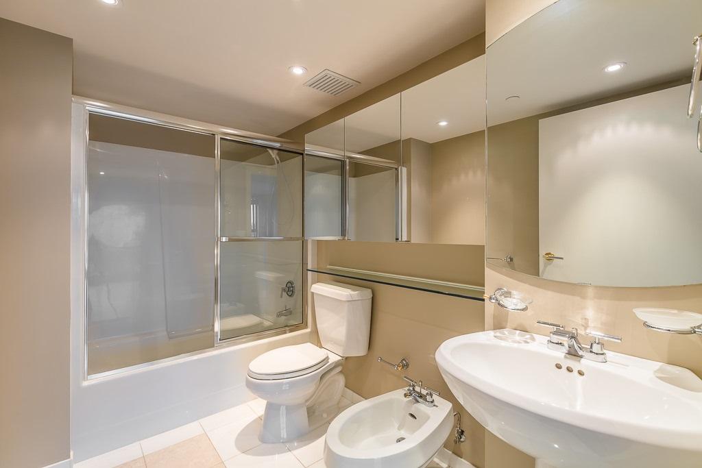 Condo Apartment at 1401 1238 SEYMOUR STREET, Unit 1401, Vancouver West, British Columbia. Image 18