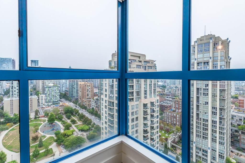 Condo Apartment at 1401 1238 SEYMOUR STREET, Unit 1401, Vancouver West, British Columbia. Image 19