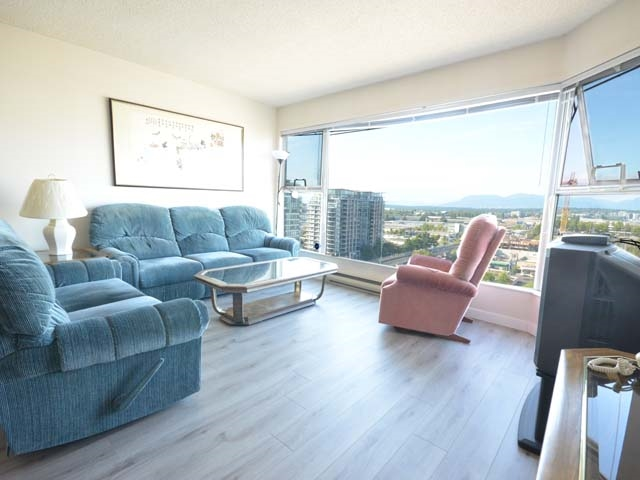 Condo Apartment at 903 8081 WESTMINSTER HIGHWAY, Unit 903, Richmond, British Columbia. Image 5