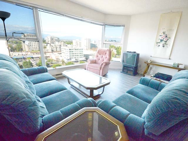 Condo Apartment at 903 8081 WESTMINSTER HIGHWAY, Unit 903, Richmond, British Columbia. Image 6