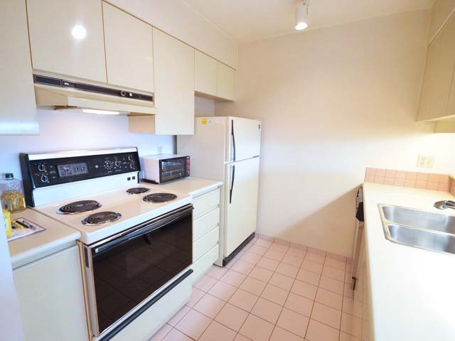 Condo Apartment at 903 8081 WESTMINSTER HIGHWAY, Unit 903, Richmond, British Columbia. Image 9