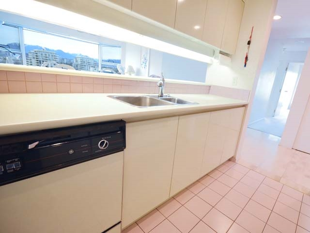 Condo Apartment at 903 8081 WESTMINSTER HIGHWAY, Unit 903, Richmond, British Columbia. Image 10