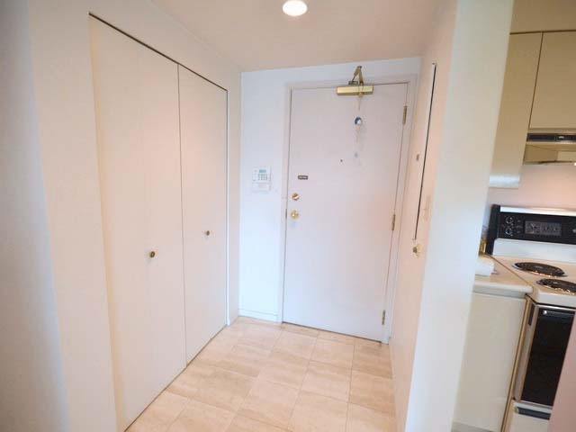 Condo Apartment at 903 8081 WESTMINSTER HIGHWAY, Unit 903, Richmond, British Columbia. Image 18