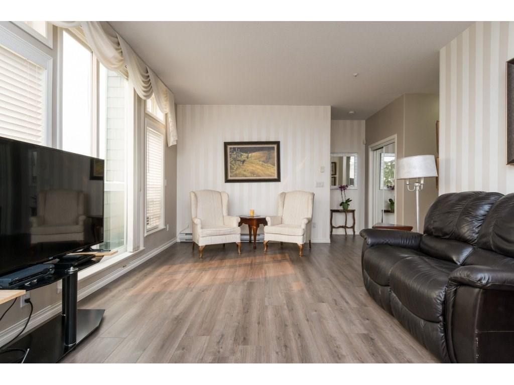 Condo Apartment at 409 15555 16TH AVENUE, Unit 409, South Surrey White Rock, British Columbia. Image 5