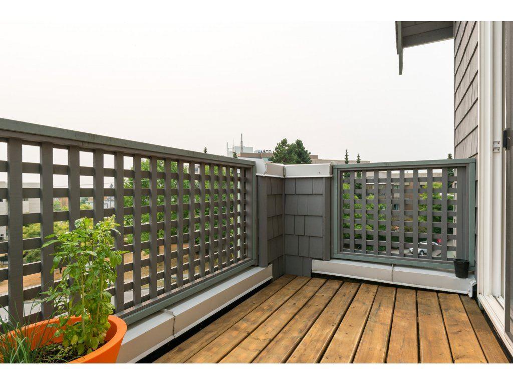 Condo Apartment at 409 15555 16TH AVENUE, Unit 409, South Surrey White Rock, British Columbia. Image 8