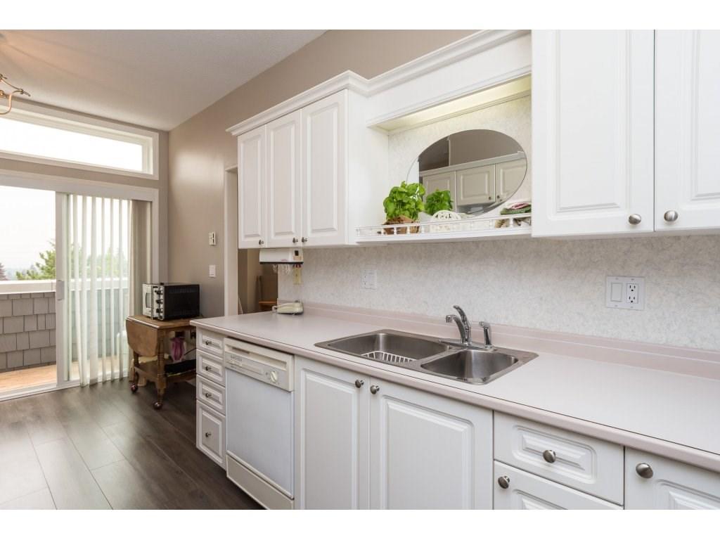 Condo Apartment at 409 15555 16TH AVENUE, Unit 409, South Surrey White Rock, British Columbia. Image 12