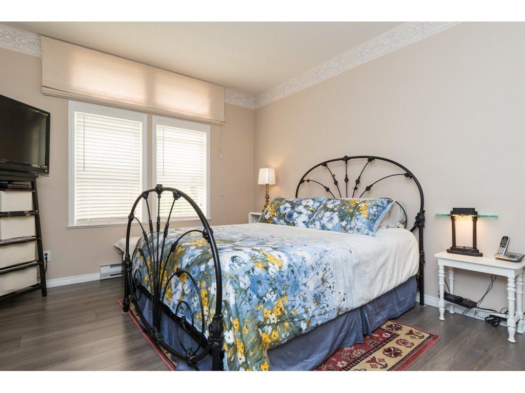 Condo Apartment at 409 15555 16TH AVENUE, Unit 409, South Surrey White Rock, British Columbia. Image 13