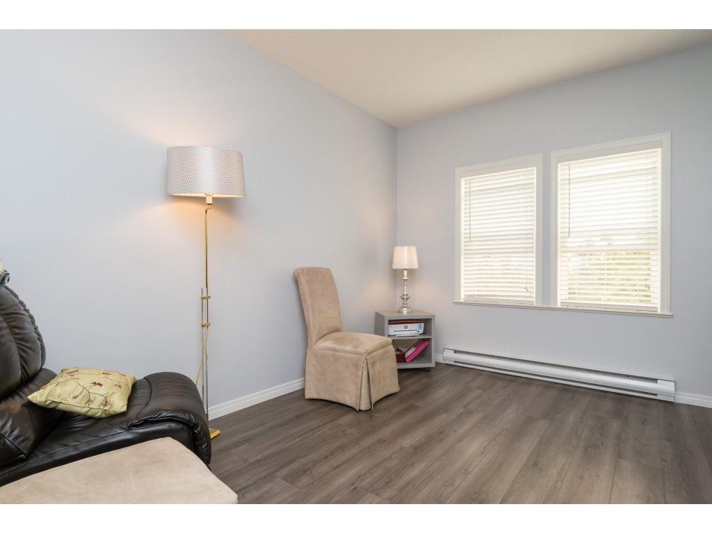 Condo Apartment at 409 15555 16TH AVENUE, Unit 409, South Surrey White Rock, British Columbia. Image 16
