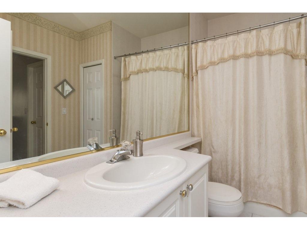 Condo Apartment at 409 15555 16TH AVENUE, Unit 409, South Surrey White Rock, British Columbia. Image 17