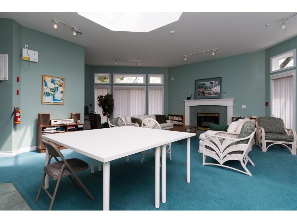 Condo Apartment at 409 15555 16TH AVENUE, Unit 409, South Surrey White Rock, British Columbia. Image 18