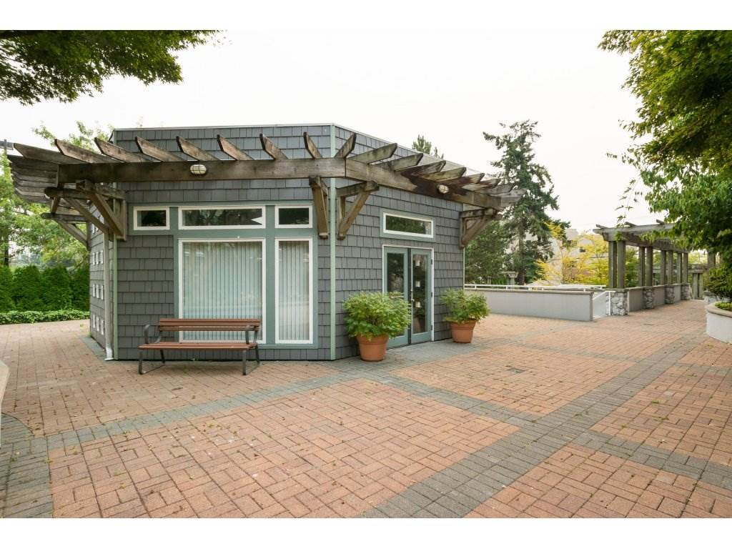 Condo Apartment at 409 15555 16TH AVENUE, Unit 409, South Surrey White Rock, British Columbia. Image 19