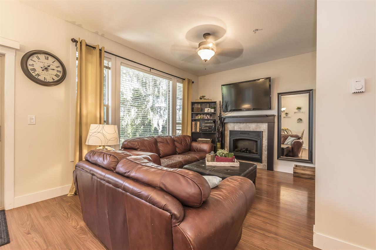 Townhouse at 8 9280 BROADWAY STREET, Unit 8, Chilliwack, British Columbia. Image 2