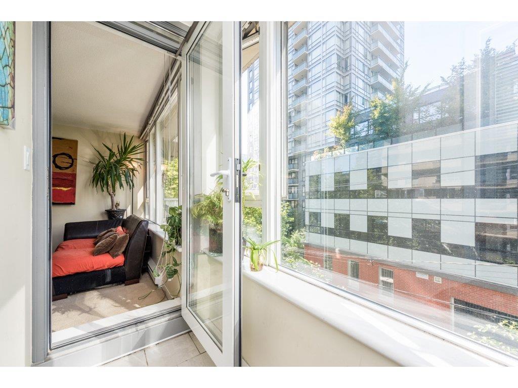 Condo Apartment at 410 1001 RICHARDS STREET, Unit 410, Vancouver West, British Columbia. Image 11