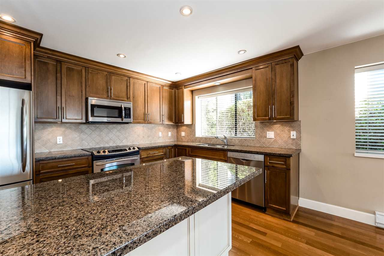 Condo Apartment at 25 2214 FOLKESTONE WAY, Unit 25, West Vancouver, British Columbia. Image 11