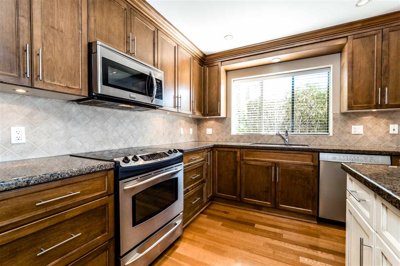 Condo Apartment at 25 2214 FOLKESTONE WAY, Unit 25, West Vancouver, British Columbia. Image 12