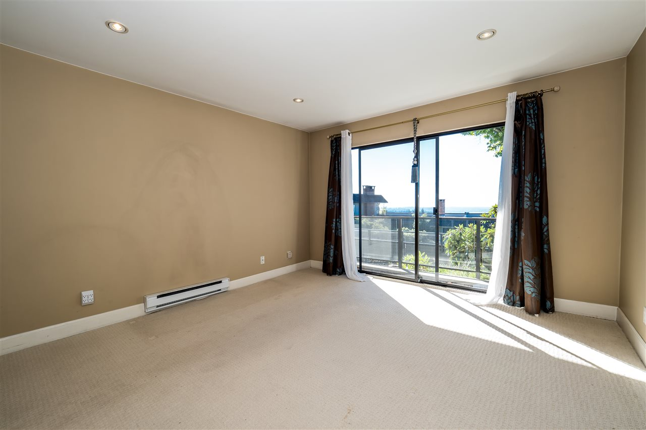 Condo Apartment at 25 2214 FOLKESTONE WAY, Unit 25, West Vancouver, British Columbia. Image 14