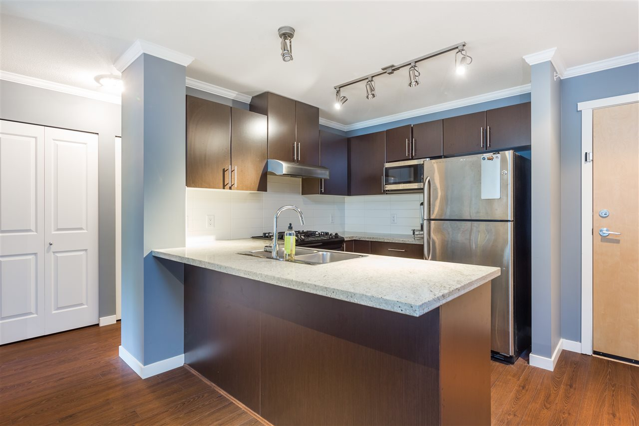 Condo Apartment at 419 700 KLAHANIE DRIVE, Unit 419, Port Moody, British Columbia. Image 5