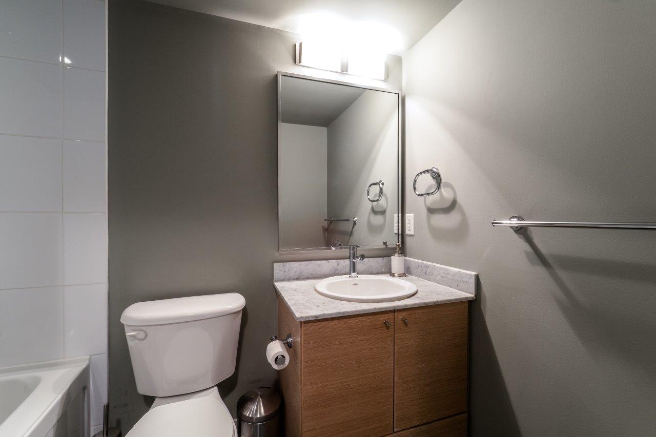 Condo Apartment at 2313 938 SMITHE STREET, Unit 2313, Vancouver West, British Columbia. Image 11