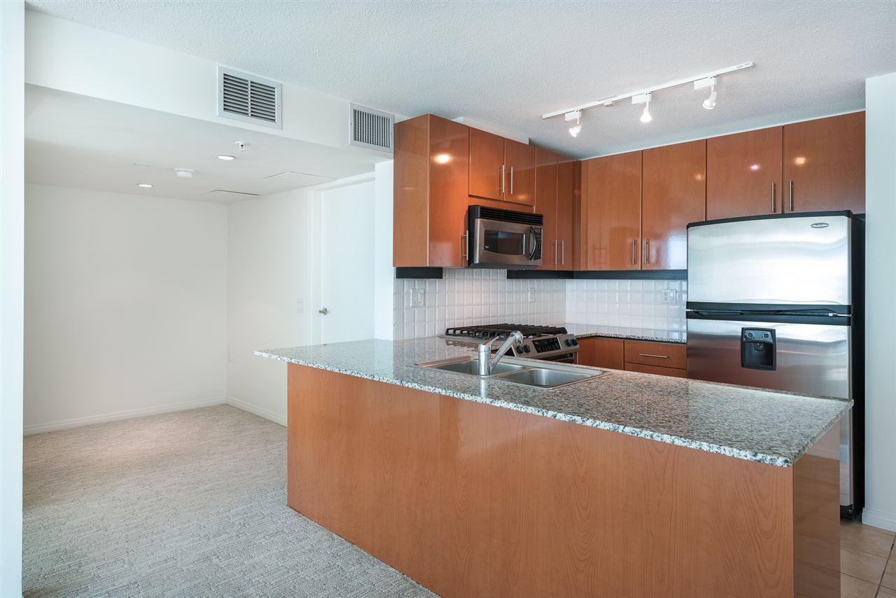 Condo Apartment at 604 188 E ESPLANADE, Unit 604, North Vancouver, British Columbia. Image 6
