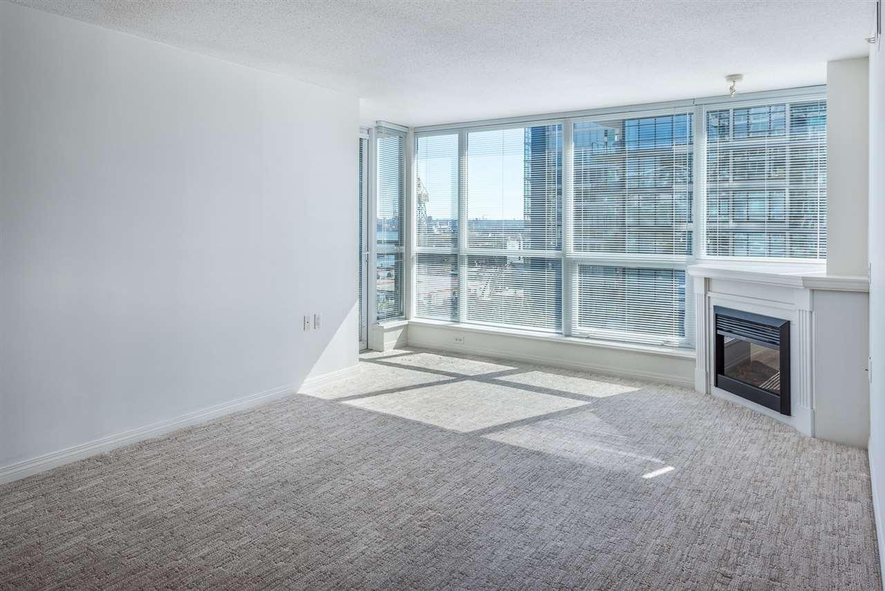 Condo Apartment at 604 188 E ESPLANADE, Unit 604, North Vancouver, British Columbia. Image 8