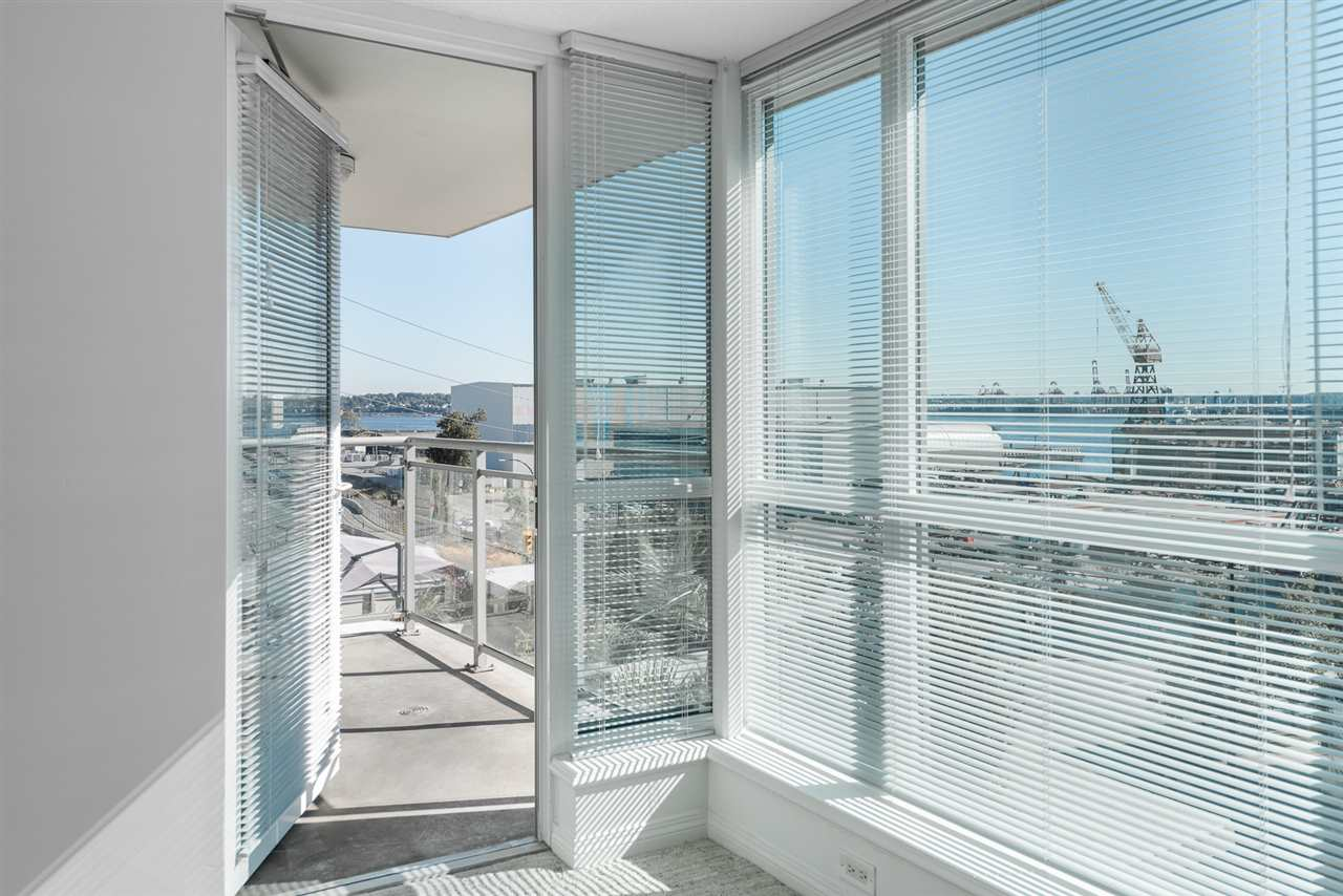 Condo Apartment at 604 188 E ESPLANADE, Unit 604, North Vancouver, British Columbia. Image 9