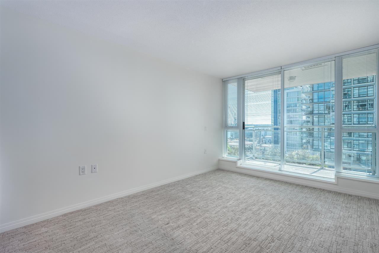 Condo Apartment at 604 188 E ESPLANADE, Unit 604, North Vancouver, British Columbia. Image 11