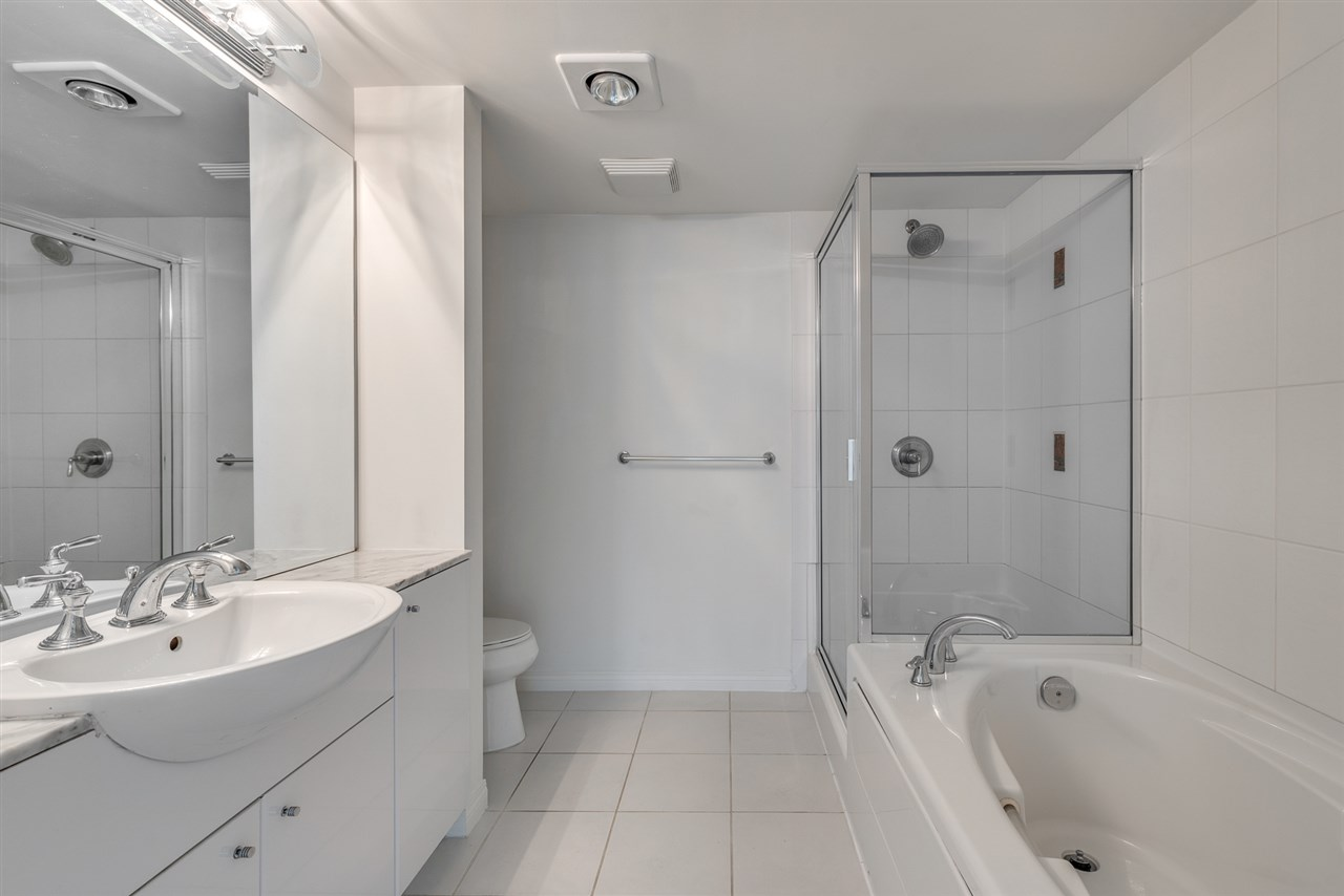 Condo Apartment at 604 188 E ESPLANADE, Unit 604, North Vancouver, British Columbia. Image 13