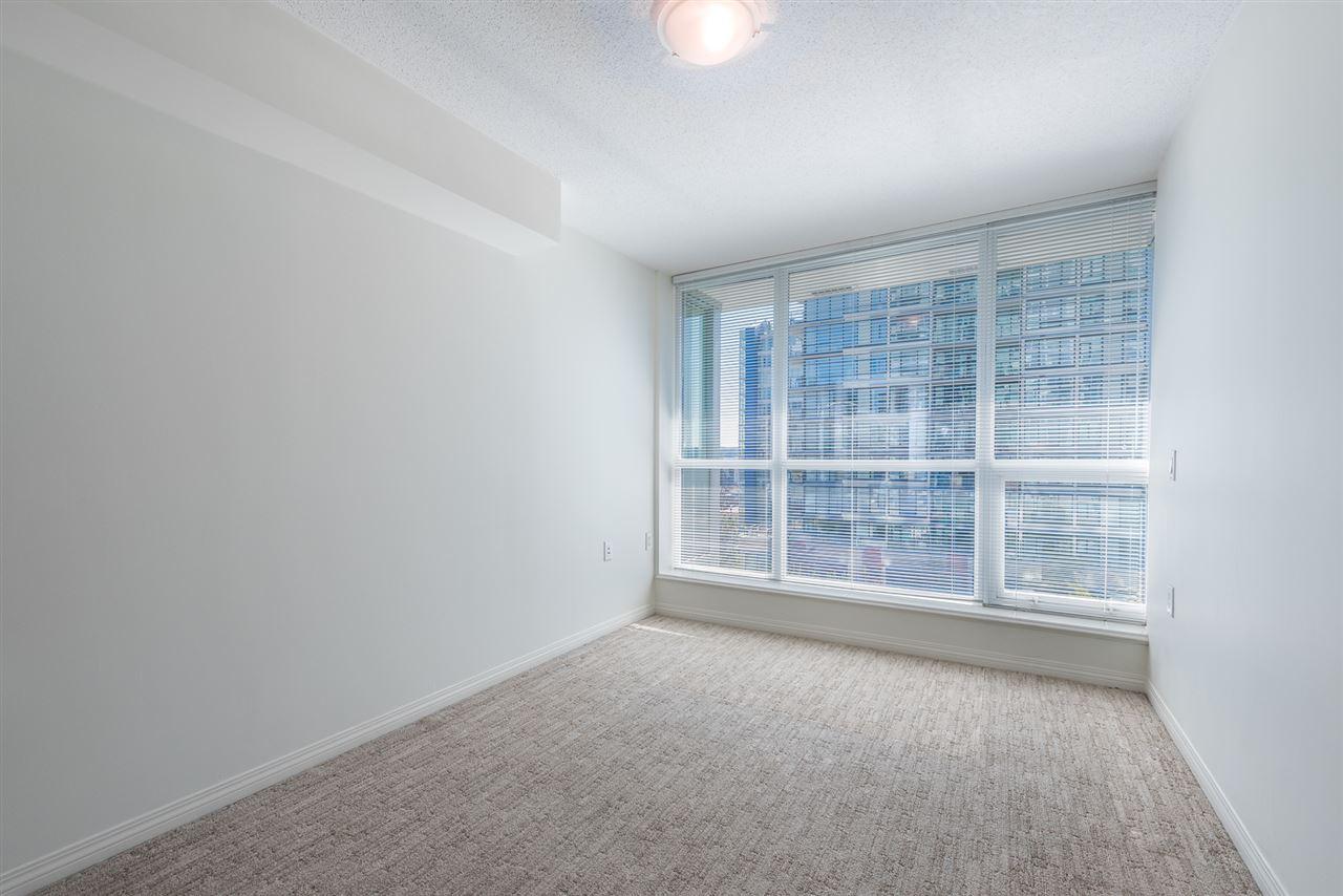 Condo Apartment at 604 188 E ESPLANADE, Unit 604, North Vancouver, British Columbia. Image 14