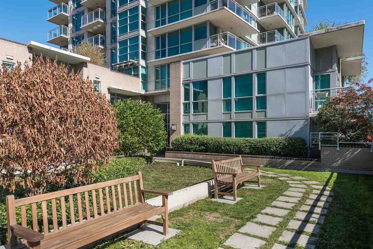 Condo Apartment at 604 188 E ESPLANADE, Unit 604, North Vancouver, British Columbia. Image 18