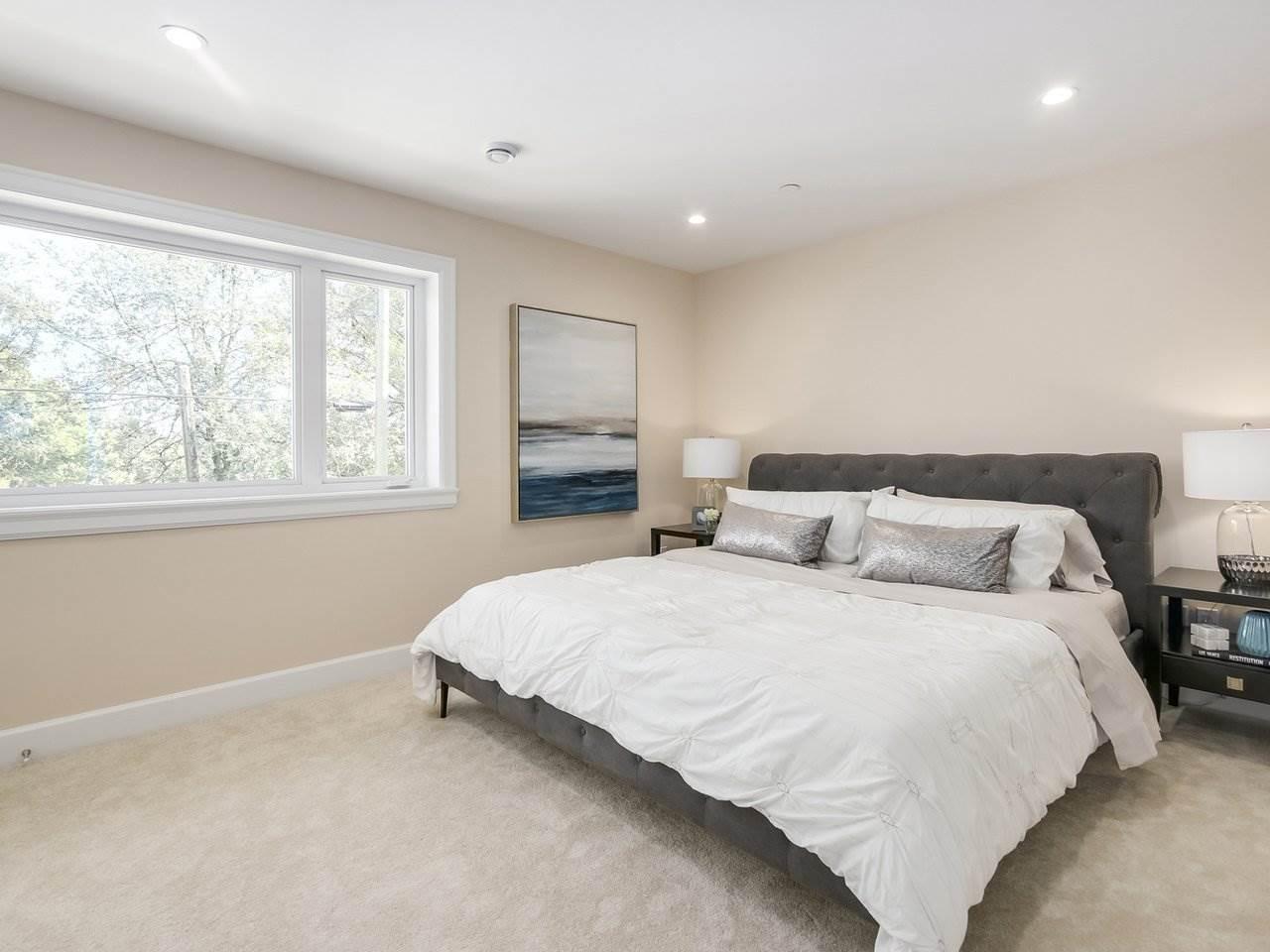 Half-duplex at 3131 VICTORIA DRIVE, Vancouver East, British Columbia. Image 11
