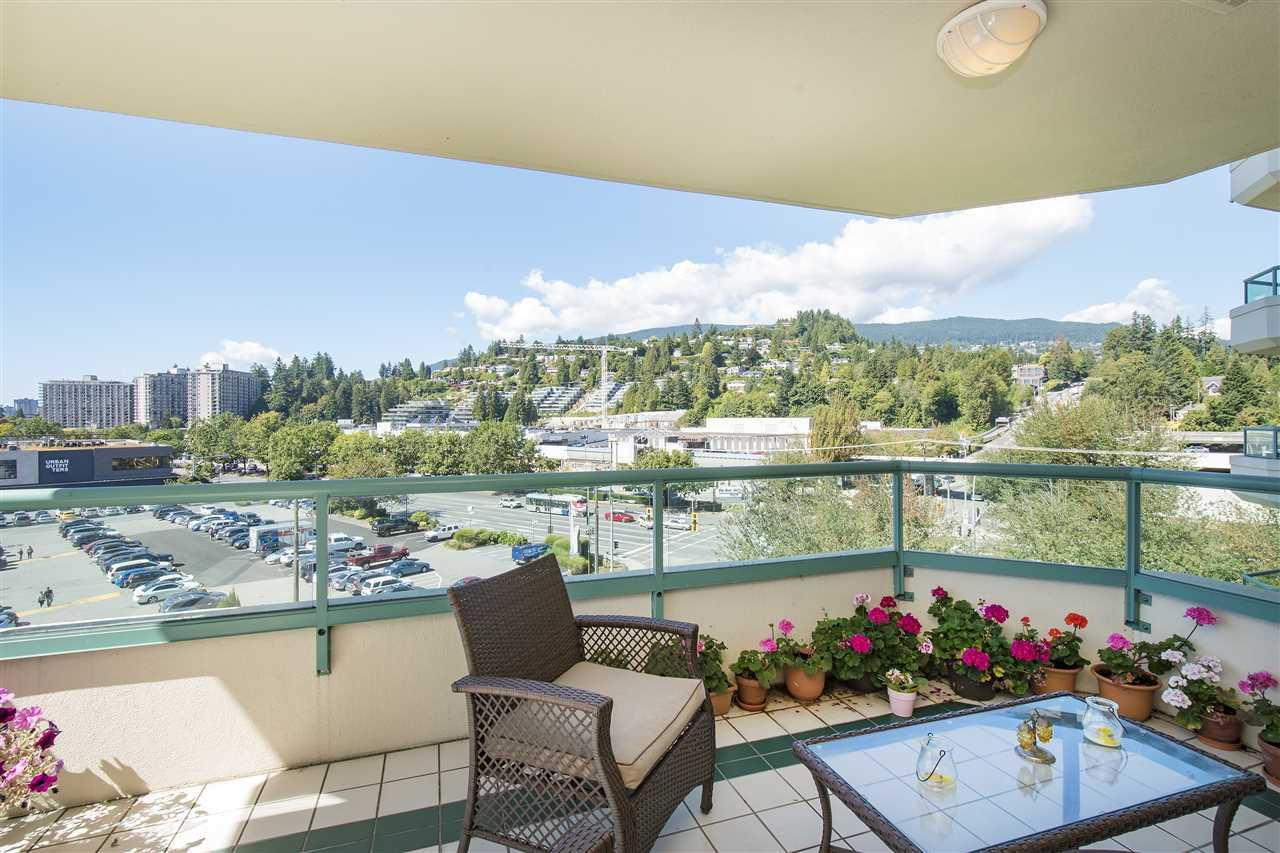 Condo Apartment at 6D 328 TAYLOR WAY, Unit 6D, West Vancouver, British Columbia. Image 5