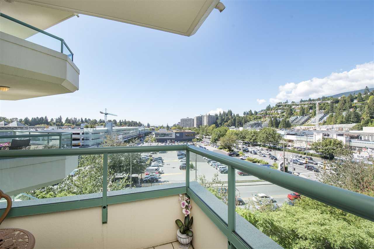 Condo Apartment at 6D 328 TAYLOR WAY, Unit 6D, West Vancouver, British Columbia. Image 12